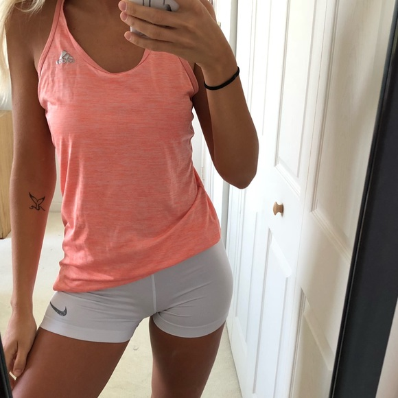 nike pro shorts outfit